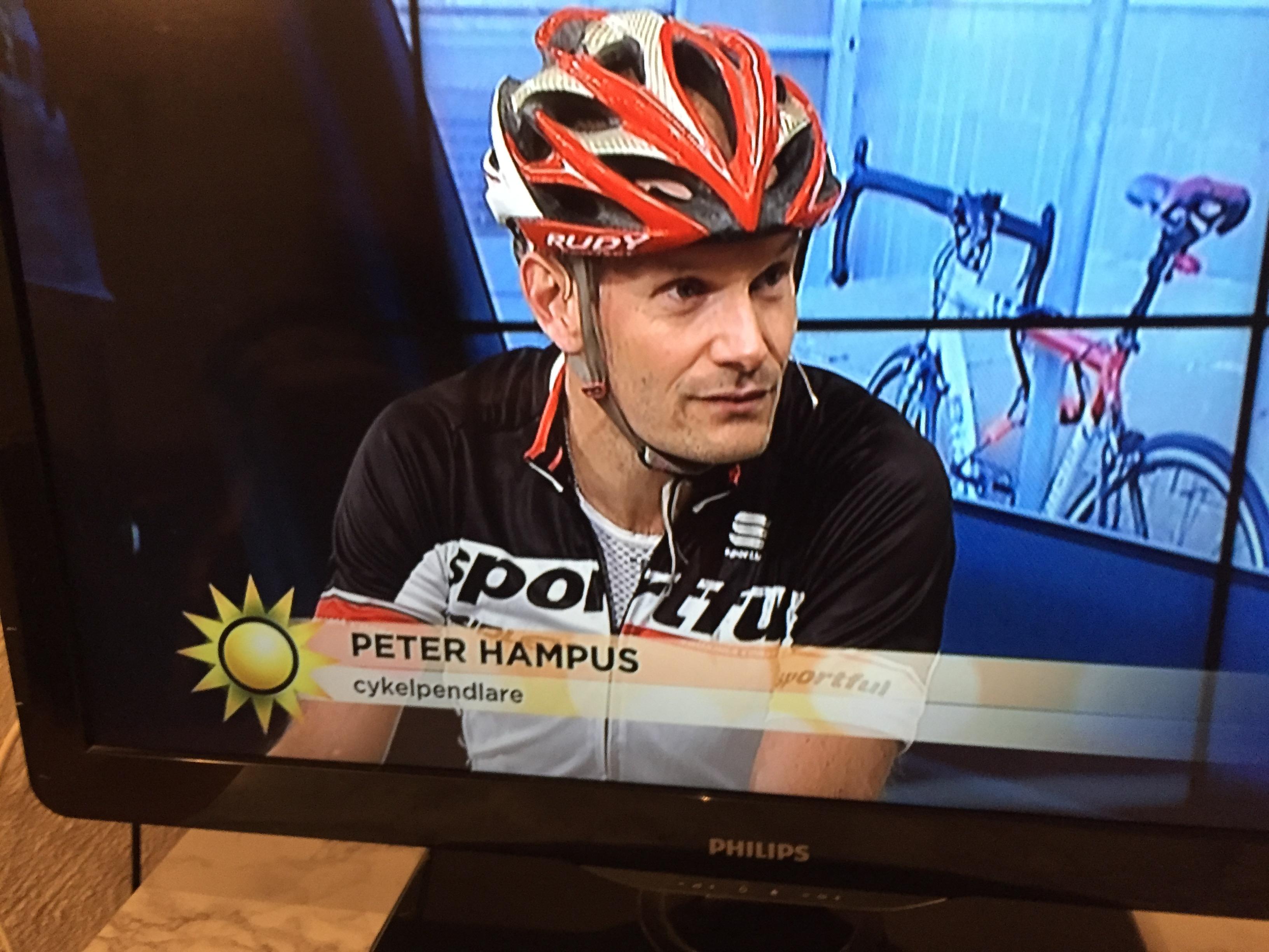 Peter Hampus intervjuas i TV 4