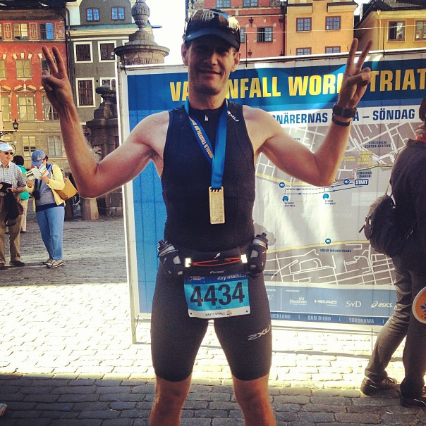 Peter Hampus i mål på Vattenfall World triathlon Stockholm